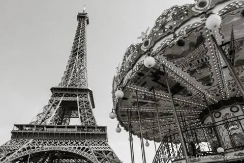 travelyesplease.com | Paris in Black and White- Photo Series| Carrousel de la Tour Eiffel