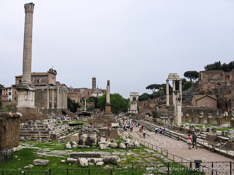 travelyesplease.com | The Roman Forum- History, Sights and Tips for Visiting