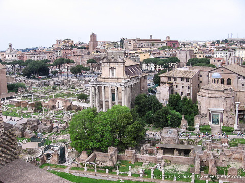 travelyesplease.com | The Roman Forum- History, Monuments and Tips for Visiting
