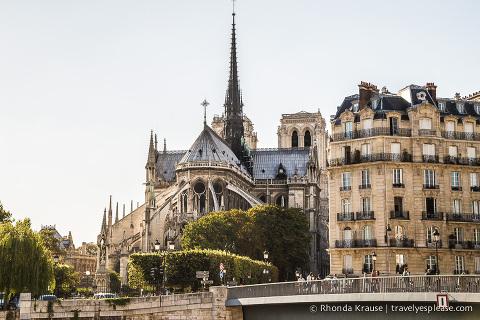 travelyesplease.com | Île de la Cité- An Island in the Heart of Paris