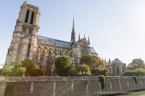 travelyesplease.com | Île de la Cité- An Island in the Heart of Paris