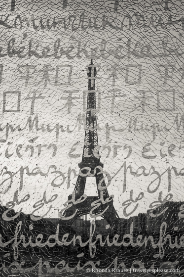 travelyesplease.com | Paris in Black and White- Photo Series | Wall for Peace