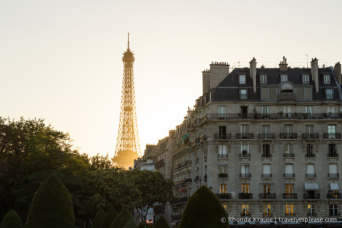 travelyesplease.com | Eiffel Tower- Facts, Photos and Tips for Visiting