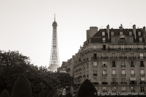 travelyesplease.com | Paris in Black & White- Photo Series