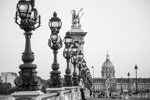 travelyesplease.com | Paris in Black and White- Photo Series | Pont Alexandre III