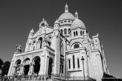 travelyesplease.com | Paris in Black & White- Photo Series | Sacre Coeur Basilica