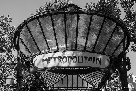 Itravelyesplease.com | Paris in Black & White- Photo Series