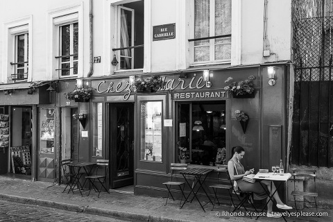 travelyesplease.com | Paris in Black and White- Photo Series | Montmartre