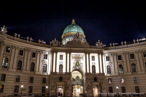 travelyesplease.com | Europe at Night: A Photo Series | Vienna, Austria