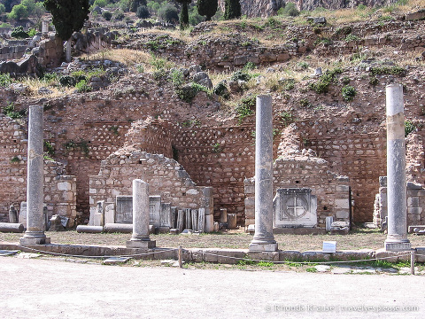 travelyesplease.com | Tour of Delphi Archaeological Site- The Navel of the World