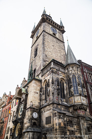 travelyesplease.com | Prague's Famous Astronomical Clock | Old Town City Hall