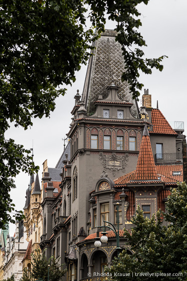 travelyesplease.com | A Walk Through Prague: Part One- Prague's Old Town