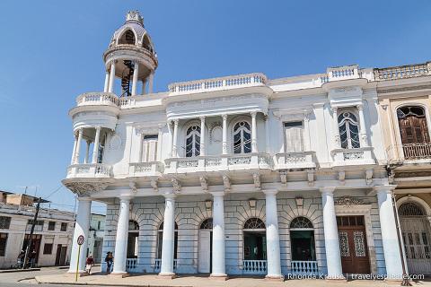 travelyesplease.com | The Historic Heart of Cienfuegos- Parque Marti