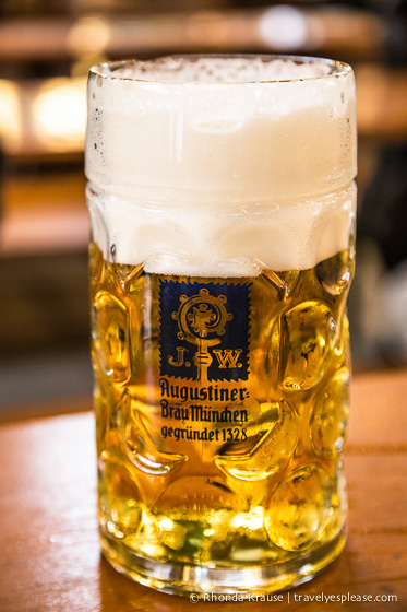 travelyesplease.com | Oktoberfest- History, Traditions and Tips for Attending