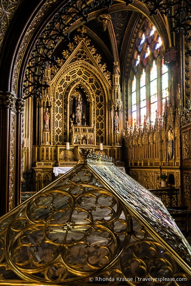travelyesplease.com | Photo of the Week: Tomb of Sainte-Geneviève