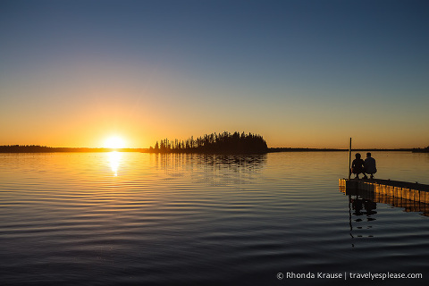 travelyesplease.com | Photo of the Week: Romantic Elk Island Sunset