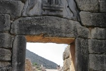 travelyesplease.com | Photo of the Week: The Lion Gate at Mycenae, Greece