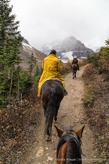 travelyesplease.com | Horseback Ride to the Plain of Six Glaciers Tea House