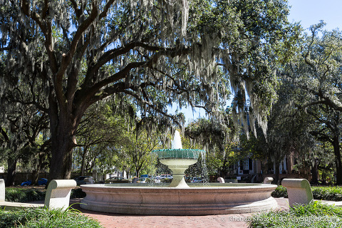 travelyesplease.com | The Squares of Savannah