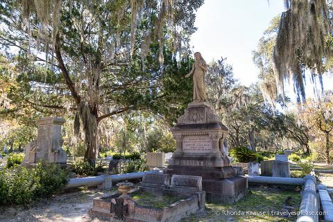 travelyesplease.com | Tour of Bonaventure Cemetery, Savannah