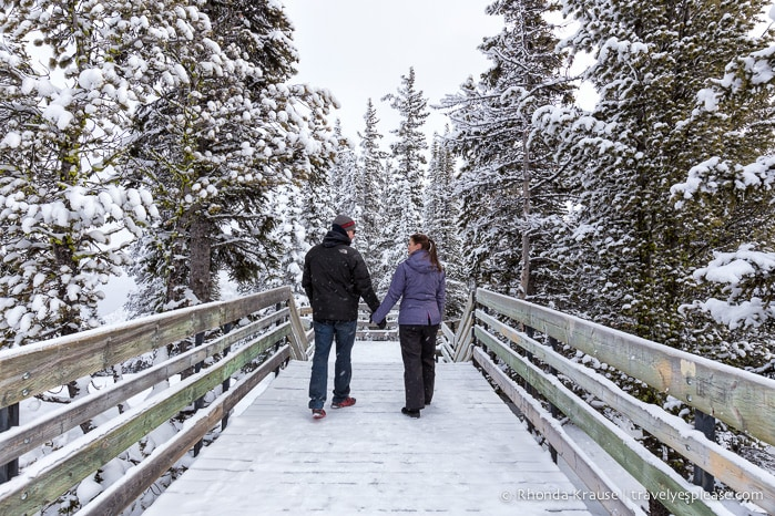 Romantic winter getaway in alberta 4 romantic winter weekends for Best winter vacations in canada