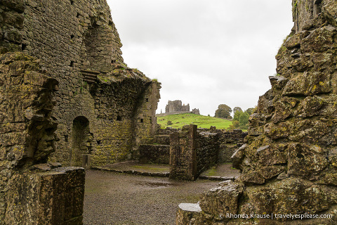 travelyesplease.com | The Atmospheric Ruins of Hore Abbey- Cashel, Ireland