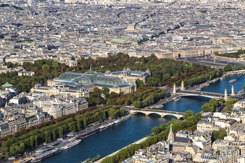 travelyesplease.com | What to Expect on Your First Trip to Paris- A Paris Travel Guide for First Time Visitors