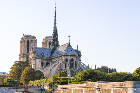 travelyesplease.com | Travel Tips for Your First Trip to Paris- What to Expect When Visiting Paris for the First Time