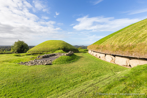 travelyesplease.com | Brú na Bóinne- Visiting Newgrange and Knowth Passage Tombs