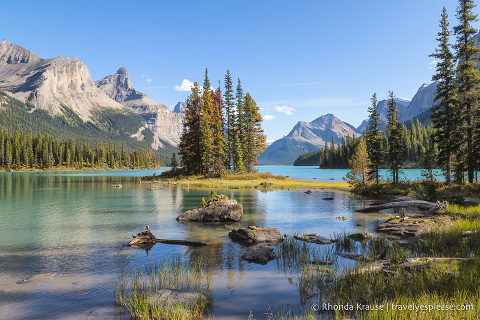 travelyesplease.com | Visiting Spirit Island and Maligne Lake- One of Jasper National Park's Most Scenic Locations