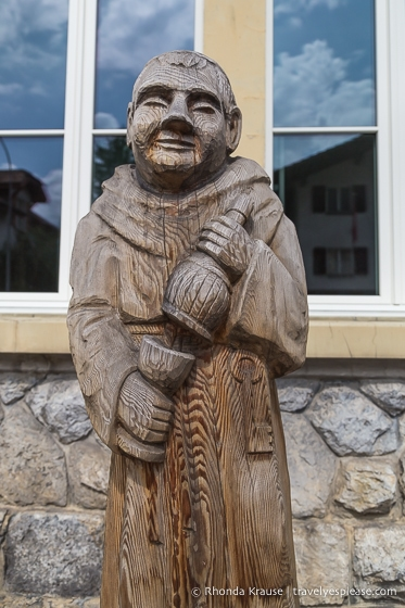 Wooden carving in Brienz