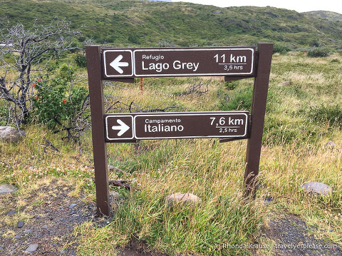 Trail sign at the start of the Grey Glacier hike