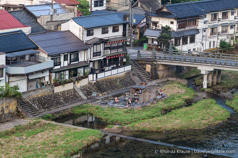 Things to do in Japan- Soak in an onsen (a small riverside onsen in Gero)