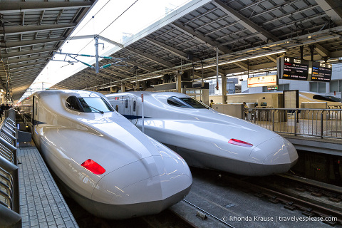 Things to do in Japan- Ride a bullet train (Japanese bullet trains at a station in Tokyo)