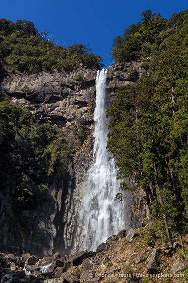 Things to do in Japan- Visit waterfalls (Nachi Falls)