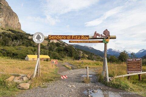 Sendero al Fitz Roy sign at the trailhead.