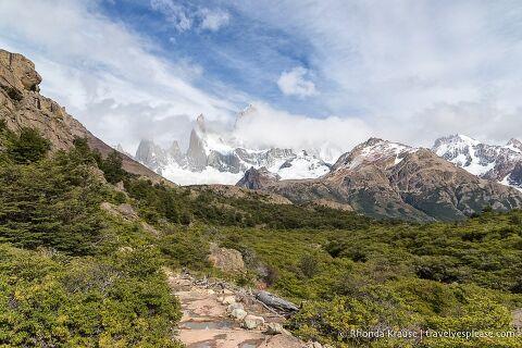 Hiking trail to Mount Fitz Roy (Sendero al Fitz Roy).