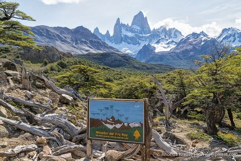 Sign at Mirador del Fitz Roy with Mt. Fitz Roy in the background.