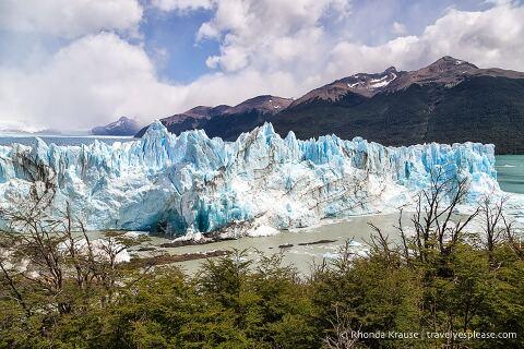 Terminus of the glacier and Canal de los Tempanos.