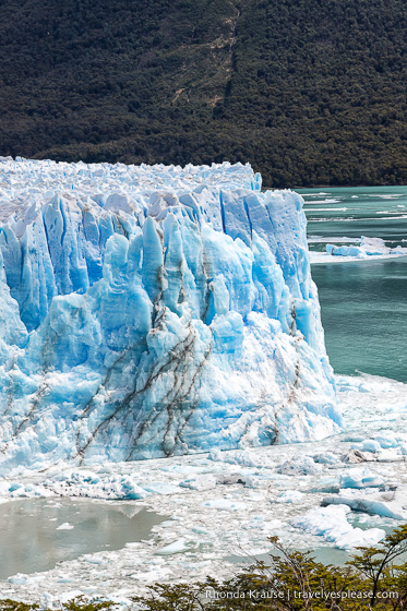 Ice floating in the water at the corner of the glacier.