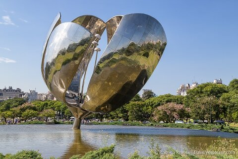 Places to see on a Buenos Aires bike tour- Floralis Generica.